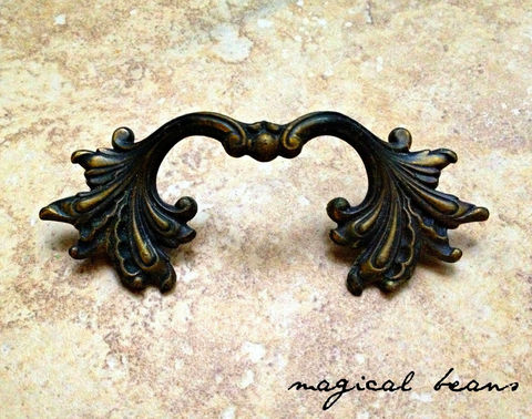 Small,Vintage,French,Style,Pull,in,Black,&,Gold,vintage hardware, furniture hardware ,antique hardware ,drawer pulls knobs, furniture pulls, pulls knobs, hardware furniture, vintage drawer pulls knobs, brass furniture hardware,  Brass Hardware, Brass Pulls, Brass Cabinet Pulls, Brass Drawer Pulls, Bras