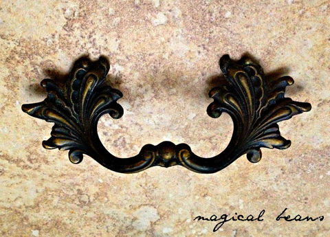 Vintage,Black,&,Gold,French,Provincial,Pulls,by,National,Lock,Co.,vintage hardware, furniture hardware, black drawer pulls, french furniture pulls, dresser hardware, national lock co furniture hardware, vintage drawer pulls, brass drawer pulls, black & gold leafy baroque pulls, small leafy pulls