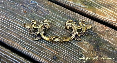 Golden,French,Provincial,Winged,Drawer,Pull,by,Keeler,Brass,Co,Home & Living,  Home Improvement , Knobs & Pulls , Decorative pulls , KBC drawer pulls , French Country,  Farmhouse Style, Dresser Pulls,  French Provincial,  Gold Drawer Pulls , Brass Drawer Pulls,  Vintage Drawer Pulls , Knobs and Pulls, winged drawer p