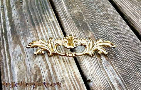 Golden,Brass,&,White,French,Provincial,,Baroque,Drawer,Pull,by,Keeler,Co,french provincial drawer pulls, french provincial dresser pulls, french provincial cabinet pulls, gold drawer pull, gold handle, gold dresser pull, gold cabinet pull, keeler brass co, vintage hardware, vintage drawer pulls, vintage dresser pulls, vintage
