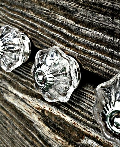 Scalloped,Clear,Glass,Crackle,Knob,with,Silver,Accents,vintage inspired hardware, dresser hardware , drawer pulls knobs, furniture pulls, glass knobs, scalloped knobs, crackled glass knobs, clear glass knobs, silver dresser knobs, large drawer knobs