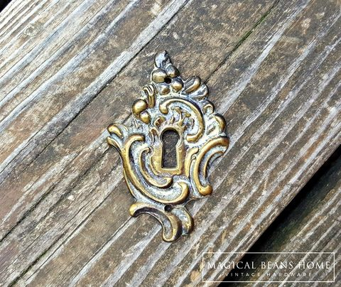 Vintage,KBC,French,Skeleton,Keyhole,Backplate,in,Brass,w/Ivory,Overlay,backplate, Escutcheon, vintage furniture hardware, furniture embellishments, brass furniture hardware,  keeler  brass co, dresser hardware, cabinet hardware,  skeleton key, furniture backplates
