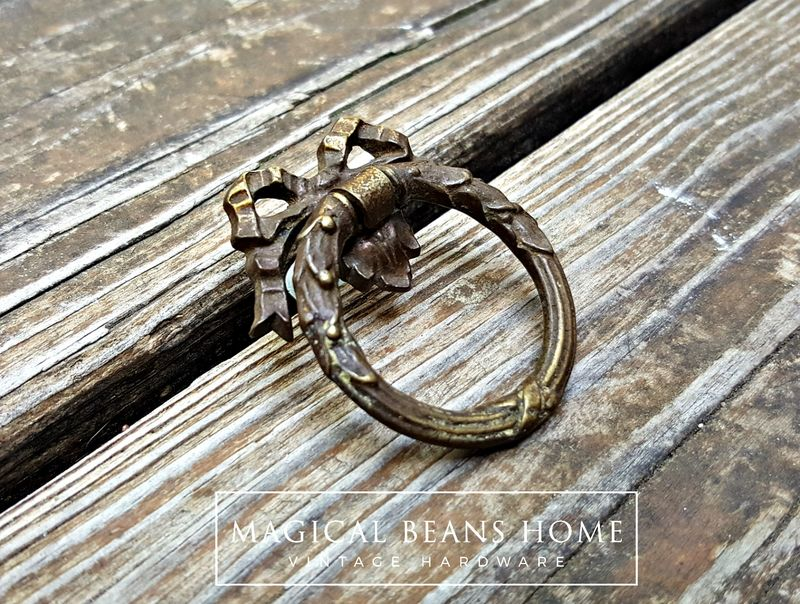 KBC Vintage Victorian Romantic Ribbon & Bow Dark Brass Ring Pull  - product image
