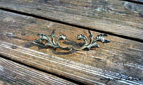 Vintage,Keeler,Brass,Co,French,Provincial,Drawer,Pull,in,Antique,w/Chippy,Grey,Overlay,french provincial pulls, french country pulls, cottage chic pulls, antique drawer pulls,  brass drawer pulls, dresser hardware, dresser pull handles,keeler brass co pulls, kbc drawer pulls, antiqued brass drawer pulls, ivory drawer pulls