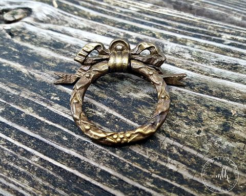 Vintage,Keeler,Brass,Co,Ribbon,&,Bow,Wreath,Ring,Pull,in,Dark,vintage drawer pulls, dark brass dresser pulls, wreath ring pull, ribbon bow ring pulls, decorative hardware, period hardware, keeler brass co pulls
