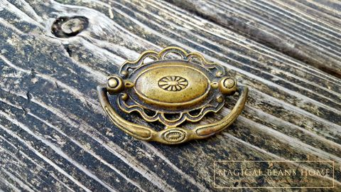 Vintage,Keeler,Brass,Co,Victorian,Solid,Oval,Drop,Bail,Pull,vintage drawer pulls, antiqued brass dresser pulls, keeler brass co pulls, kbc drawer pulls, small Hepplewhite pulls, drop bail pulls, oval dresser hardware