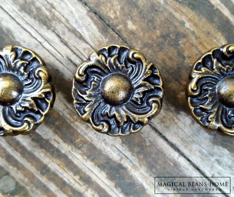 Hollywood,Regency,Knobs,in,Bronze,&,Brown,Bronze dresser hardware, hollywood regency knobs, french provincial knobs, floral drawer knobs, antiqued brass floral knob, small dresser knobs, decorative drawer knobs