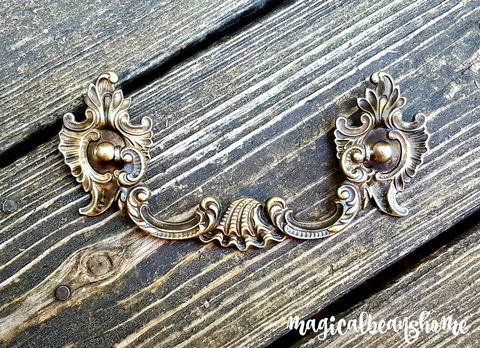Vintage,Keeler,Brass,Co,Victorian,Baroque,Drop,Bail,Pull,[Clam,Shell,Design],vintage drawer pulls, kbc drop bail pulls, victorian drawer pulls, baroque drawer pulls, clam shell drop bail pulls, brass dresser hardware, period hardware, cabinet pulls, cabinet hardware