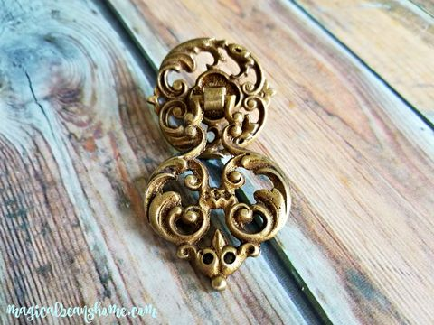 Vintage,Keeler,Brass,Co,Gold,Filigree,Pendant,Pull,in,Solid,solid brass drawer pulls, keeler brass company, kbc drawer pulls, vintage gold filigree pendant pull, vintage drawer pulls, teardrop drawer pulls, pendant drawer pulls, vintage hardware, period furniture hardware, gold dresser hardware, gold drawer pulls