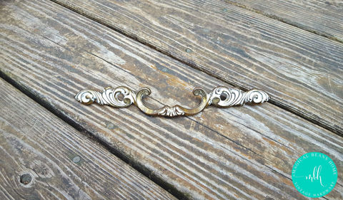 Vintage,Victorian,Style,Antiqued,Brass,Large,Drawer,Pull,by,Keeler,Company,french vintage pulls, french provincial, drawer pulls,period hardware, brass drawer pulls, furniture hardware, scroll motif pull, antiqued brass drawer pull, victorian style, victorian drawer pull, vintage drawer pulls, keeler brass co