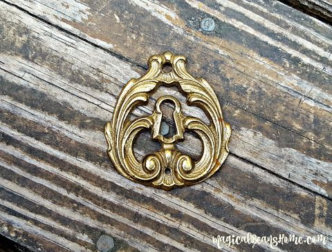 Vintage,Keeler,Brass,Co,Gold,Skeleton,Keyhole,Backplate,in,Solid,KBC Gold Skeleton-Key Backplate, Decorative Keyhole Plate, Vintage Gold Backplate, Dresser Hardware, Cabinet Hardware, Furniture Hardware, Medium Keyhole Backplate