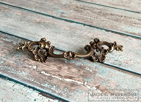 Vintage,KBC,French,Lace,Drawer,Pulls,in,Antiqued,Brass,french provincial drawer pulls, vintage hardware, furniture hardware ,antique hardware ,drawer pulls knobs, furniture pulls, pulls knobs, hardware furniture, vintage drawer pulls knobs, brass furniture hardware,  Brass Hardware, Brass Pulls, Brass Cabinet