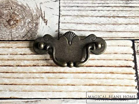 Vintage,Antiqued,Brass,Chippendale,Pulls,by,Keeler,Co,dark brass drawer pulls, antiqued brass drawer pull, chippendale drawer pulls, federal style dresser pulls, dresser hardware, cabinet pulls, dresser drawer handles, dresser drawer pulls, keeler brass co period hardware, kbc drawer pulls