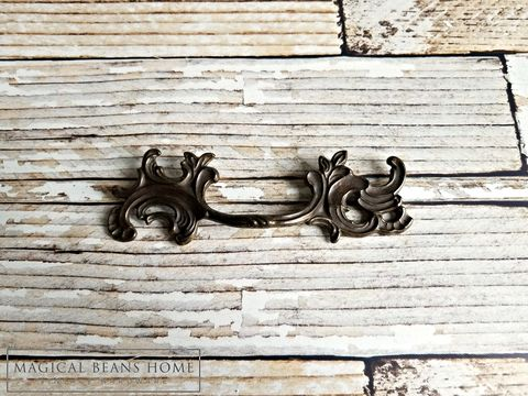 Vintage,Keeler,Brass,Co,French,Provincial,Antiqued,Drawer,Pull,keeler brass co period hardware, kbc drawer pulls, french country pulls, french provincial drawer pull, brass dresser pulls, vintage hardware, restoration hardware, antiqued brass handles