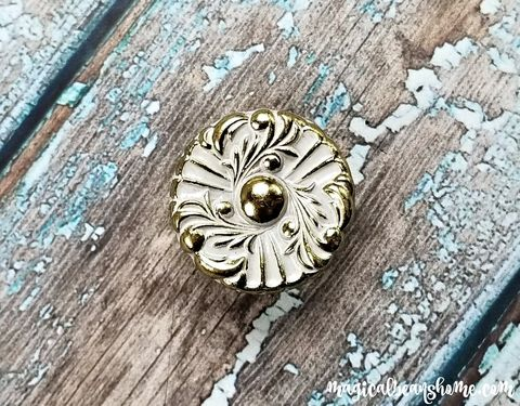 Vintage,Hollywood,Regency,White,&,Gold,Floral,Knob,hollywood regency knobs, drawer pulls, vintage knobs, drawer knobs, dresser knobs, french provincial knobs, white and gold knobs, floral knobs, mid century knobs, amerock knobs