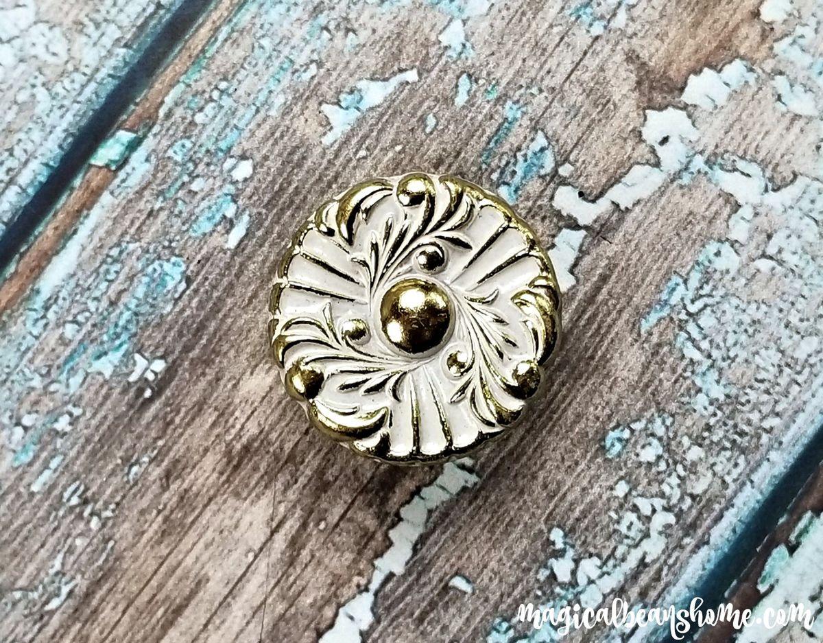 Vintage Hollywood Regency White & Gold Floral Knob
