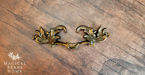 Vintage,Keeler,Brass,Co,Antiqued,Gold,French,Provincial,Drawer,Pull,Handles,in,Solid,Keeler Brass Co, Vintage Hardware, Vintage Drawer Pulls, French Provincial Drawer Pulls, Brass Drawer Pulls, Antiqued Gold Cabinet Pulls, Period Hardware, Dresser Hardware, Buffet and Hutch Drawer Pulls, French Country Pulls, French Vintage Drawer Pulls