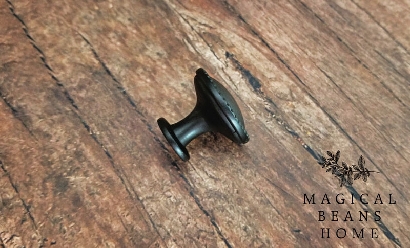 Oil Rubbed Bronze Twist Edge, Flat Footed Decorative Farmhouse Knob  - product images  of