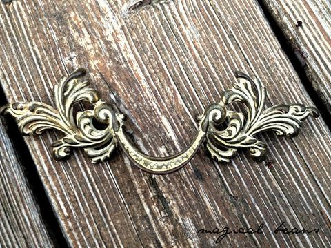 Vintage,Keeler,Brass,Co,French,Provincial,Solid,Drawer,Pull,w/Ivory,Overlay,vintage drawer pull, french provincial pulls, drawer pulls,  brass drawer pulls, vintage hardware, period hardware, keeler brass company, bedroom furniture pulls