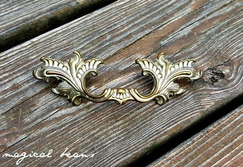 French,Provincial,Pull,Brass,&,White,Overlay,by,Keeler,Co.,Home & Living , Home Improvement,  Knobs & Pulls,  Ivory and Gold , Drawer Pull Handles,  Dresser Hardware,  KBC Dresser Pulls, Vintage Drawer Pulls,  Brass Drawer Pulls,  Shabby Chic  Furniture Pulls , French Provincial,  Hollywood Regency, Baroque Rococ
