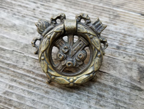 Vintage,Keeler,Brass,Co,Antiqued,Ribbon,,Roses,,Arrows,,Fire,Wreath,Ring,Pull,in,Solid,vintage drop bail pull, vintage hepplewhite, vintage ring pull, antiqued gold drop bail pull, vintage drawer pull hadles, dresser hardware, keeler brass co period hardware, victorian era, ribbon, bow, roses pulls, romantic ring pulls, gold drawer pullls