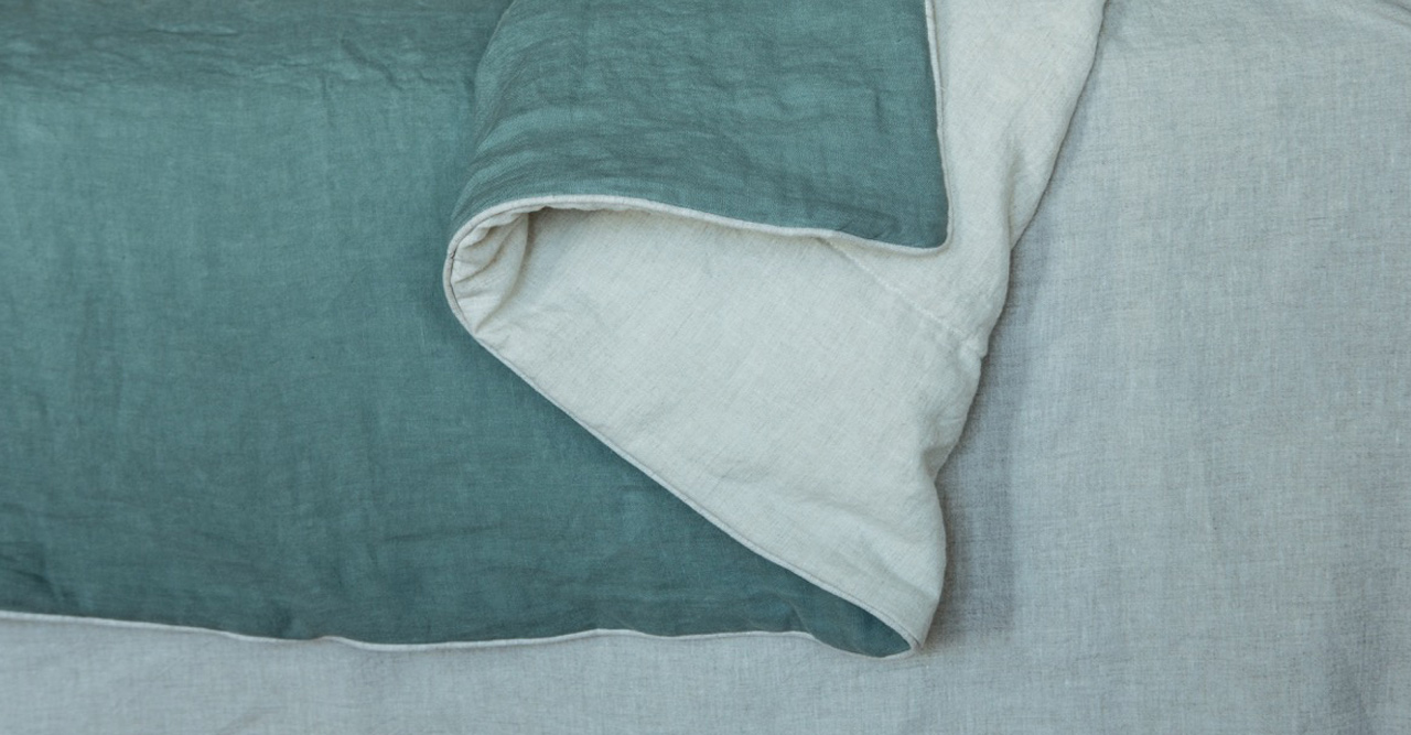 luxurious italian handmade linen blanket with piping