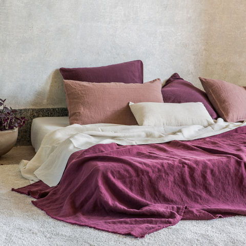 Linen,Summer,Throw,Linen Throw, Bed Linen, Italian Linen, Linen Bedsheet. Once Milano sets out to evoke an emotional ambiance around its products which today include a burgeoning range of bed and table linen, kitchen and table accessories, chic loungewear and stylish bags.
