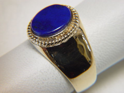 Lapis,Lazuli,set,in,Heavy,18,Karat,Gold,Ring,Gold Ring, man's ring, Men's ring, Gold and Lapis, Custom Gold Rings, Turquoise Inlay. Arizona, Navajo, Designer, 18 Karat gold, Lapis Lazuli
