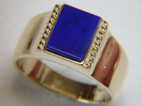 Lapis,Lazuli,set,in,Heavy,18,Karat,Yellow,Gold,Ring,Gold Ring, man's ring, Men's ring, Gold and Lapis, Custom Gold Rings, Turquoise Inlay. Arizona, Navajo, Designer, 18 Karat gold, Lapis Lazuli