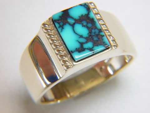 Natural,Spiderweb,Turquoise,set,in,Heavy,18,Karat,Gold,Ring,Carusetta, Spiderweb Turquoise, High Grade Turquoise, Gold Ring, man's ring, Men's ring, Gold and Lapis, Custom Gold Rings, Turquoise Inlay. Arizona, Navajo, Designer, 18 Karat gold, Lapis Lazuli