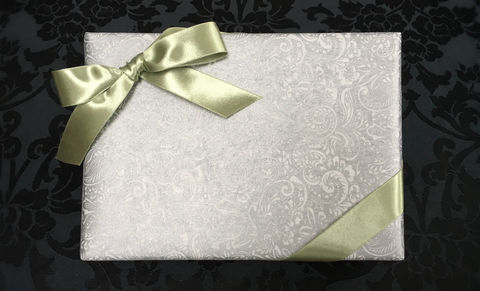 White,Wrap,&,Olive,Ribbon
