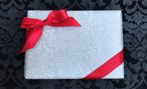 White,Wrap,&,Red,Ribbon