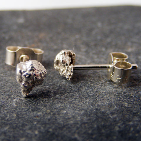 Small,Silver,Daisy,Head,Stud,Earrings,Jewelry,UK_handmade,delicate_earrings,dainty_earrings,bridesmaid_earrings,bridesmaid_jewellery,flower_girl_earrings,floral_studs,skull_earrings,Tanya_Garfield,free_UK_delivery,dainty,delicate,daisy_head