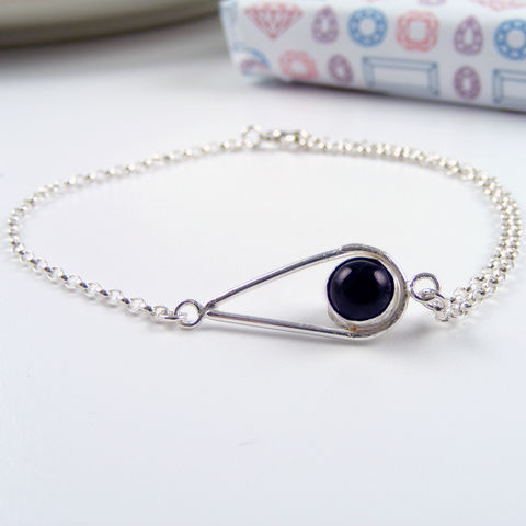 Silver,Amethyst,Teardrop,Bracelet,Jewelry,Tanya_Garfield,UK_handmade,free_UK_delivery,teardrop_bracelet,birthstone_bracelet,birthstone,calming,protection,classic,contemporary,bridesmaid_bracelet,purple_bracelet,semi_precious_stone