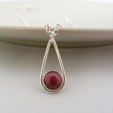 Silver,Garnet,Teardrop,Necklace,Jewelry,Tanya_Garfield,free_UK_delivery,UK_handmade,January_birthstone,birthstone_necklace,bridesmaid_necklace,modern_pendant,teardrop_pendant,contemporary,oxblood,burgundy,classic_pendant,contemporary_pendant