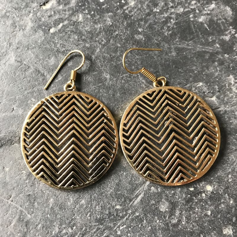 Circular brass earrings with zig-zag pattern - product images  of
