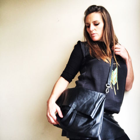 LOUH,black,handbag:,the,essential,one,besace, bag, smart, cow, leather, black, handbag, cuero, handtasche, bolso, cartera, handbags, handmade, handcrafted, craft, leather tote bag, black tote bag, designer, designer tote bag, cotton pocket, french designer, ontheverge, on t