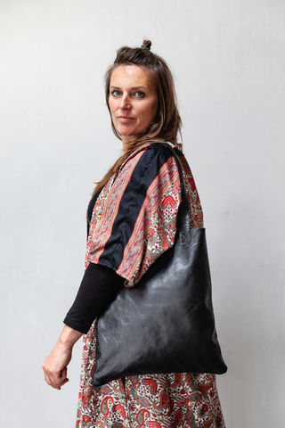 SMART,Tote,Bag,tote, bag, smart, cow, leather, black, handbag, cuero, handtasche, bolso, carter, handmade, handcrafted, craft, leather tote bag, black tote bag, designer, designer tote bag, cotton pocket, french designer, ontheverge, on the verge, fair, trade