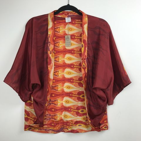 PETITE,KIMONO,style,jacket:,retro,,red,with,orange,petite, kimono, style, jacket, cardigan, on the verge, black, red