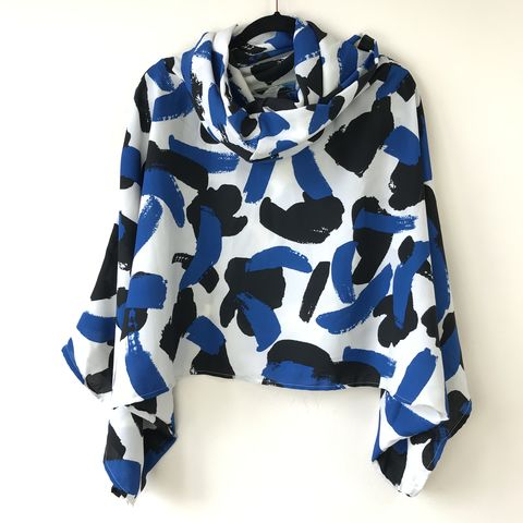 NEW,'la,bohème',cowl,neck,hooded,top:,white,,black,and,blue,cowl | neck | top | hooded | bell sleeves | blue | white
