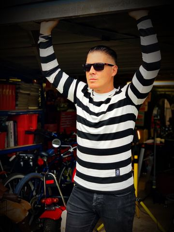 Black,and,White,Wide,Striped,Long,Sleeve,Tee,long sleeve tee, long sleeve tshirt, striped tshirt, striped tee, biker stripped tshirt, biker striped tee, black and white striped tshirt, black and white triped top,