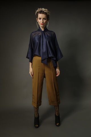Deep,mustard,cropped,pants,with,cuff.,silk, suiting, cropped trousers, summer, mustard yellow, fashion week, tailored