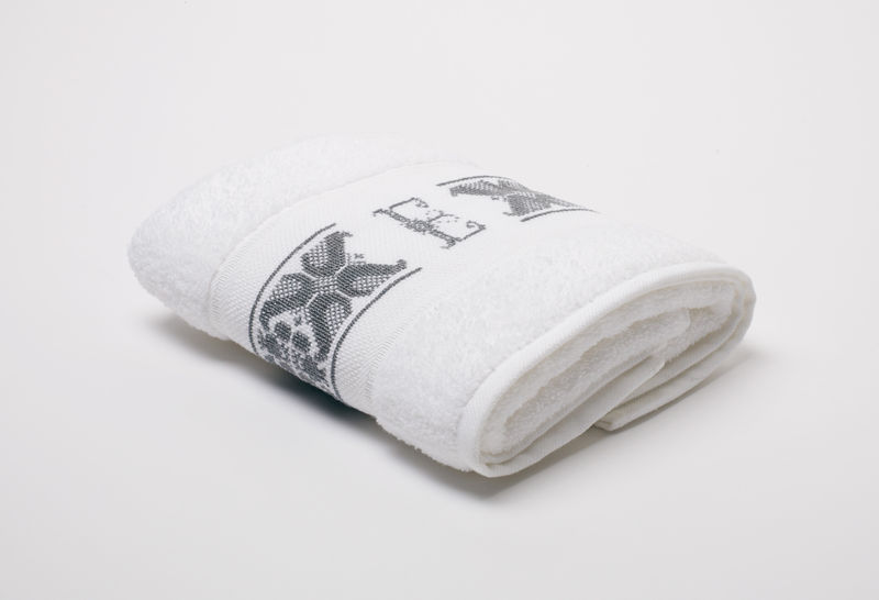 Hand-Embroidered Personalised Towel with Initial — E - product images  of