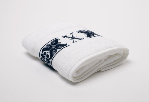 Hand-Embroidered,Personalised,Towel,with,Initial,—,X,personalised gift, hand-embroidered, towel, monogrammed, linen, initial, luxury towel, Trésor, London