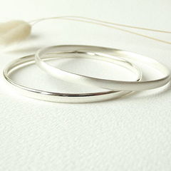 Handcrafted,Sterling,Silver,Bangle,handcrafted sterling silver bangle, handmade sterling silver bangle, minimalist silver bangle, understated sterling silver bangle, sterling silver bracelet, silversynergy
