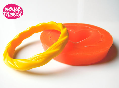 Twisted,Thin,Bracelet,Silicone,Mold,mold,for,resin,bracelet,inner,diameter,6,5,cm,1,1,tall,Supplies,bangle_mold,silicone_bangle_mold,silicone_mould,bracelet_mold,europeanstreetteam,Romantic_bangle,resin_bangle,resin_mold,resin_supplies,resin_bangle_mold,resin_bracelet_mold,thin_bangle_mold,resin_crafters,Flexible silicone rubber