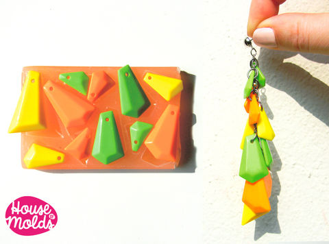 Modern,Faceted,Pendants,Mold,set,of,11,pieces,,Mold,for,earrings,,necklaces,or,bracelets,90s,vintage,Supplies,resin_mold,silicone_mold,resin_mold__jewelry,silicone_mold_resin,pendant_mold,faceted_pendant_mold,modern_pendant,geometric_mold,geometric_pendant,resin_crafters,europeanstreetteam,mold_for_earrings,resin_supply,Silicone rubber,Love