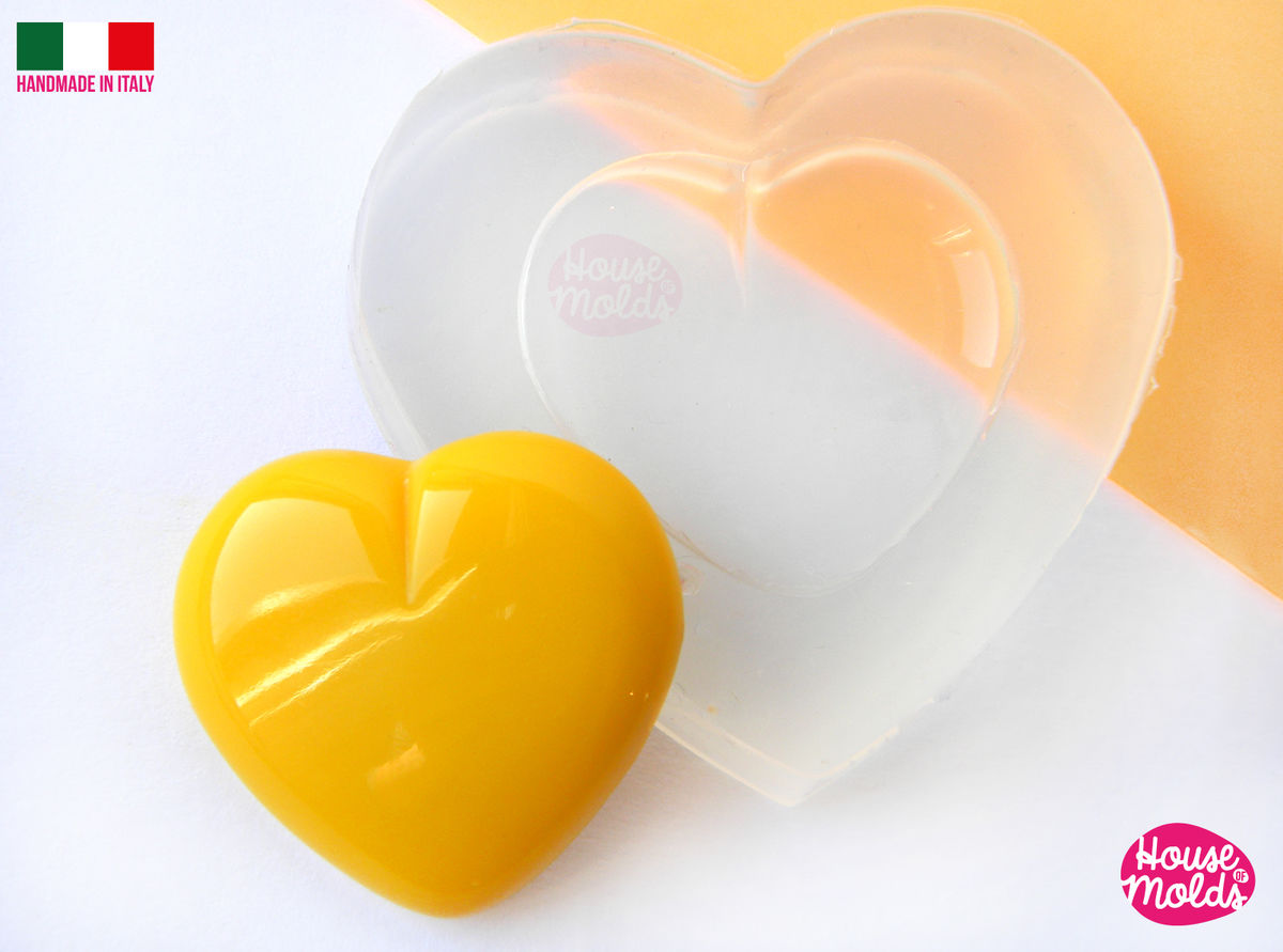 Smooth Heart Clear Silicone Mold - HOUSE OF MOLDS 21 mm x 23 mm pendant mold for resin,super shiny surface easy to use - product images  of
