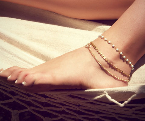 BETSY,ANKLET-,triple,chain,anklet,Jewelry,Anklet,ANKLET,BRACELET,VINTAGE,GOLD,BEACH,FESTIVAL,GYPSY,BELLY_DANCER,CHAIN_ANKLE_PIECE,BOHEMIAN,COSTUME,ANKLE_JEWELRY,body_chain,JAPANESE BEADS,VINTAGE CHAIN,GOLD CHAIN,CHARM