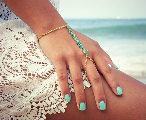 LOVMELY,HAND,CHAIN.,bracelet.,turqouise,or,coral,Jewelry,Bracelet,bracelet,body_jewelry,hand_jewelry,gold,boho,ring,jewelry,turquoise,belly_dance,slave_bracelet,22k_gold,wire_wrapped